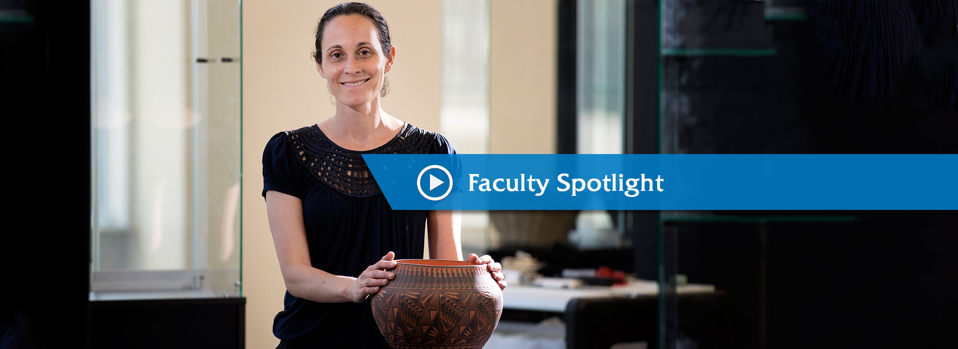 Anthropology assistant professor Arianna Huhn to work as Smithsonian Fellow this summer